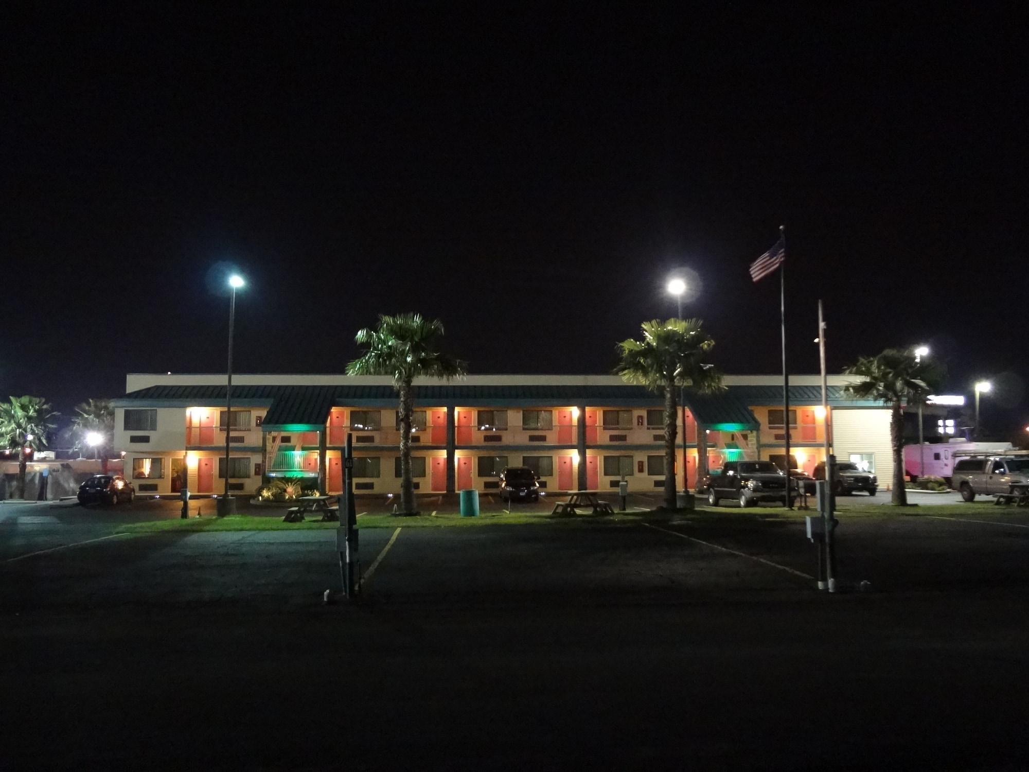 Nola Inn And Suites